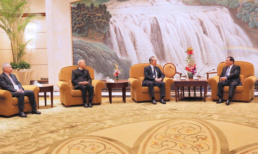 上海市委書記李強會見蘇、浙、滬工會會長