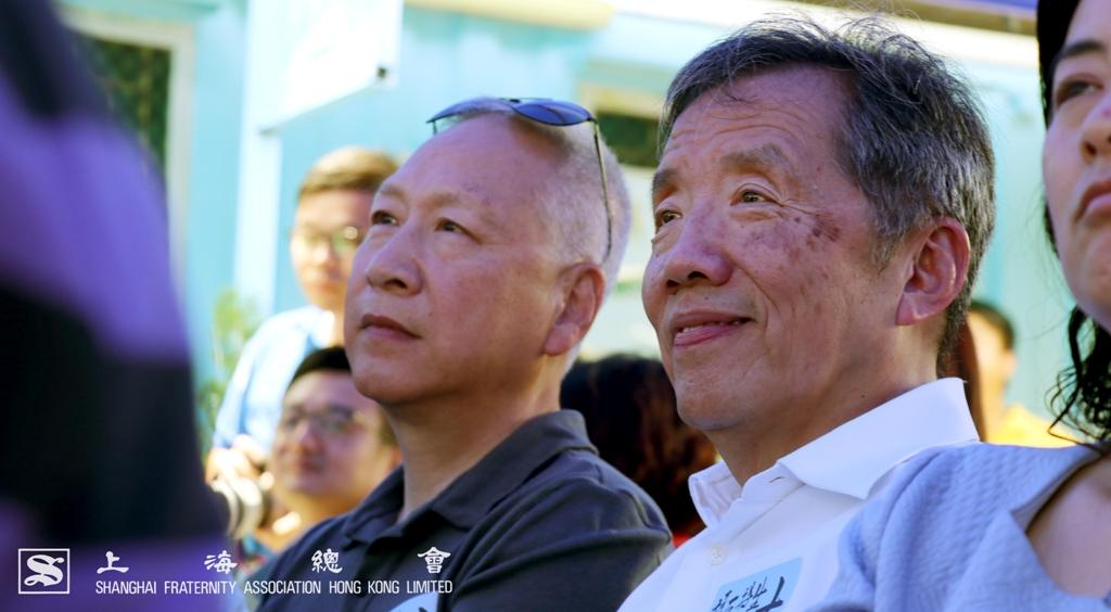 李德麟理事長與范思浩副理事長留意計劃學員的表演
