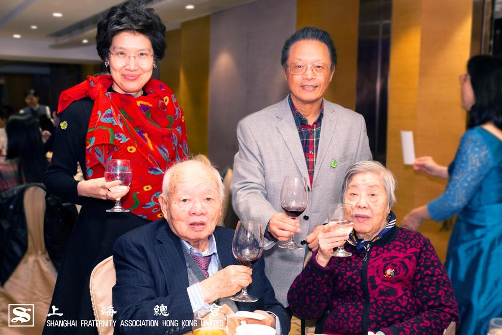 所謂老幼共聚、共享天倫,上海總會的老會員們依然精神奕奕,各位也是神彩飛揚的。