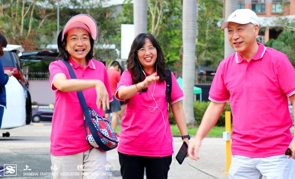 中文大學教職員分批到場,李理事長逐一問候,氣氛融洽。