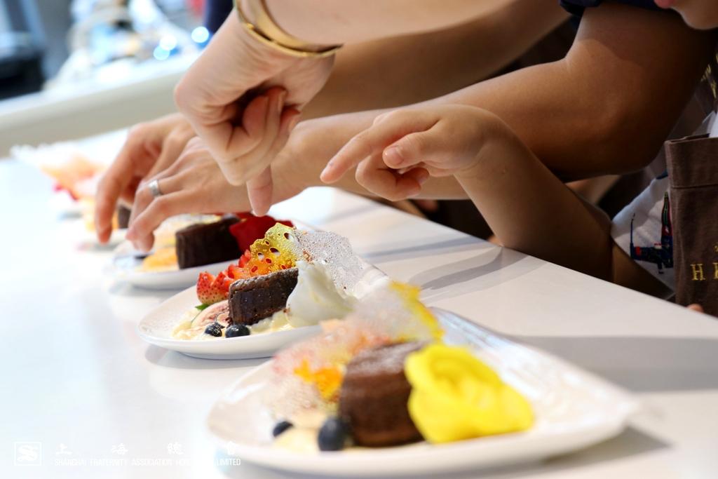 上海總會於 2018 年 8 月 25 日舉辦了首次親子甜品製作活動