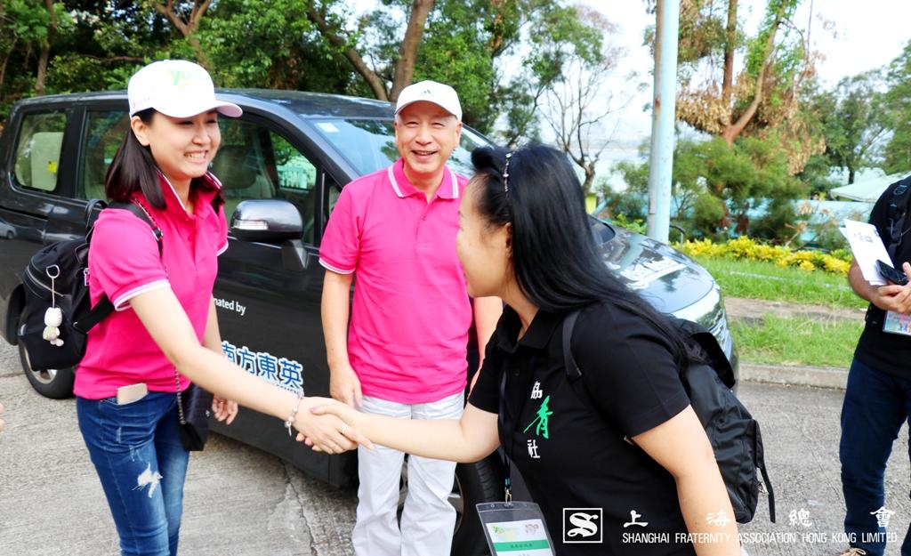 其後,協青社社長區璟智女士前來迎接上海總會的參加者。