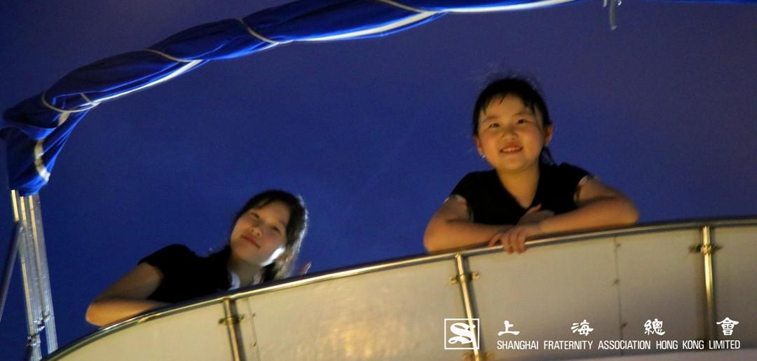 要欣賞星空,小會員也知道船上有好地方
