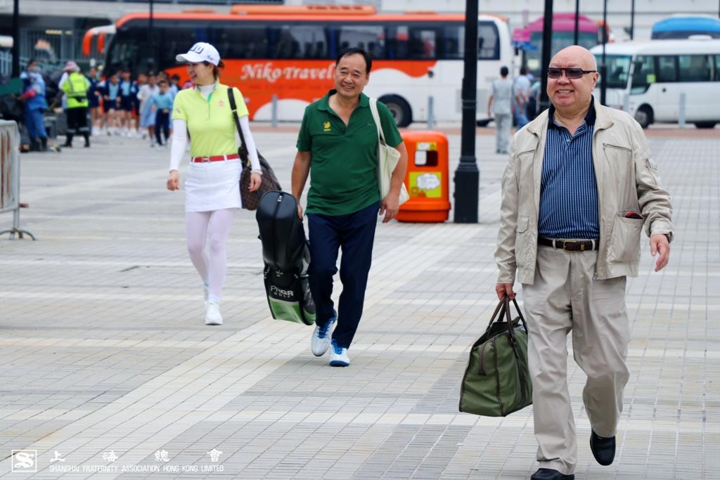 蘇浙會徐仲侯先生,鄧樹平先生及王雁鲆小姐一行三人浩浩盪盪。
