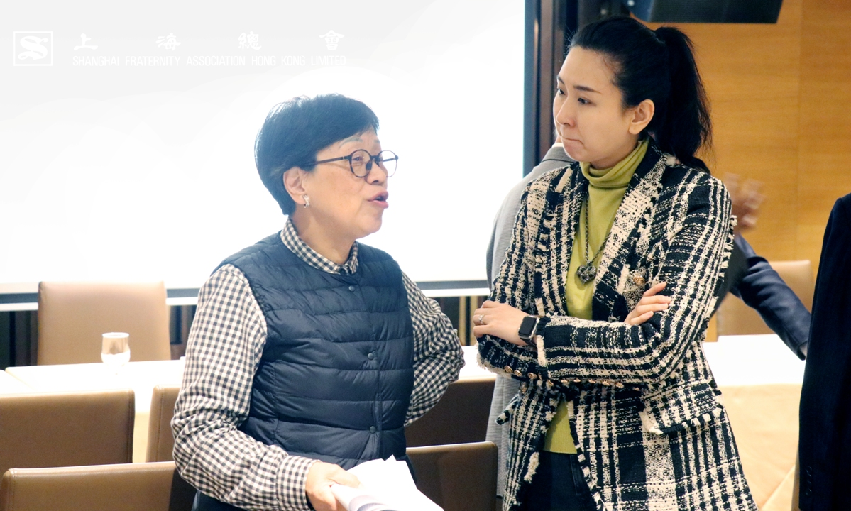 吳寧常務理事及婁芝伊總幹事。