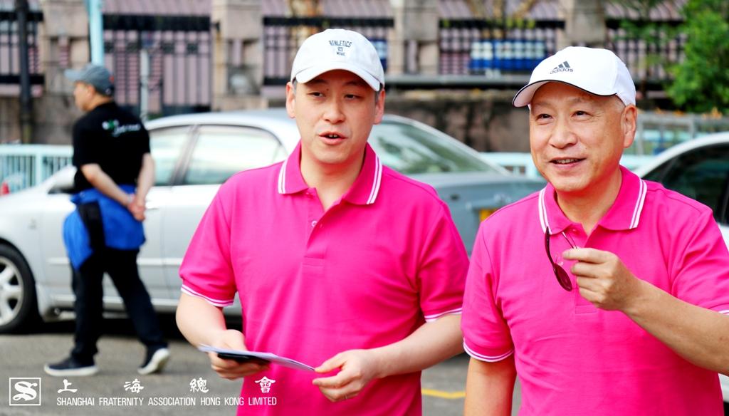 李德麟理事長及李惟宏公子一同步進會場,以示支持活動。