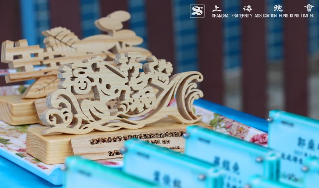 活動中的紀念品都是由得生青年燃亮計劃的參加者製作