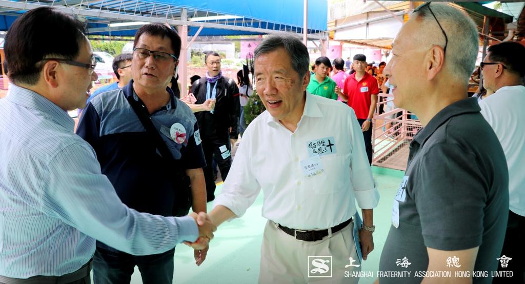 上海總會與西貢得生綠洲營辦者互相問好