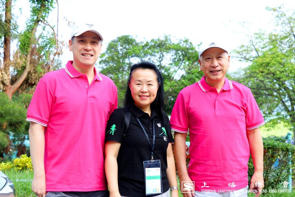 區璟智女士、李德麟理事長及李惟宏公子於活動前合照。