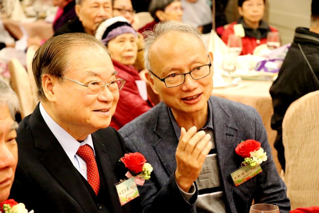 雷理事長與戴建文先生一同欣賞醒獅表演