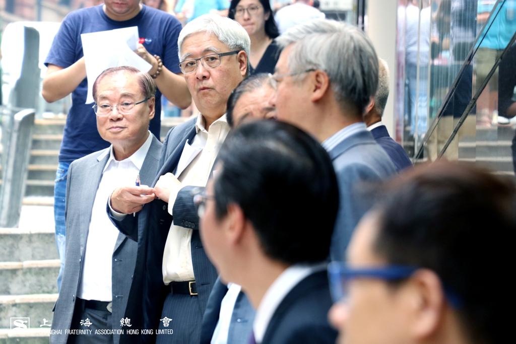 雷振範副理事長及榮智權理事亦站於歡迎之列當中