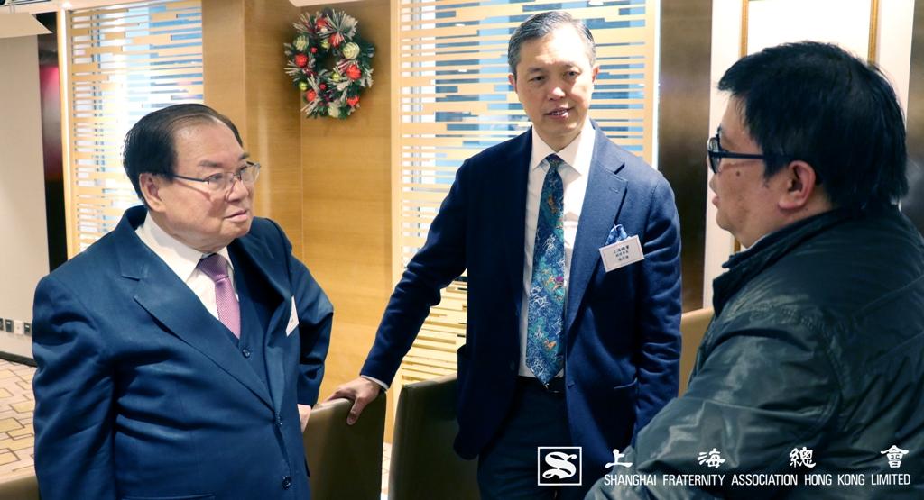 雷振範副理事長及張宗琪副理事長細心聆聽。