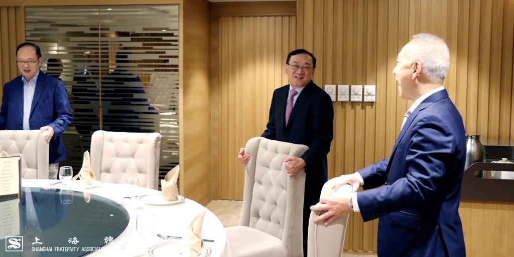不論是上海總會主人家,還是上實客人,大家也十分有禮。