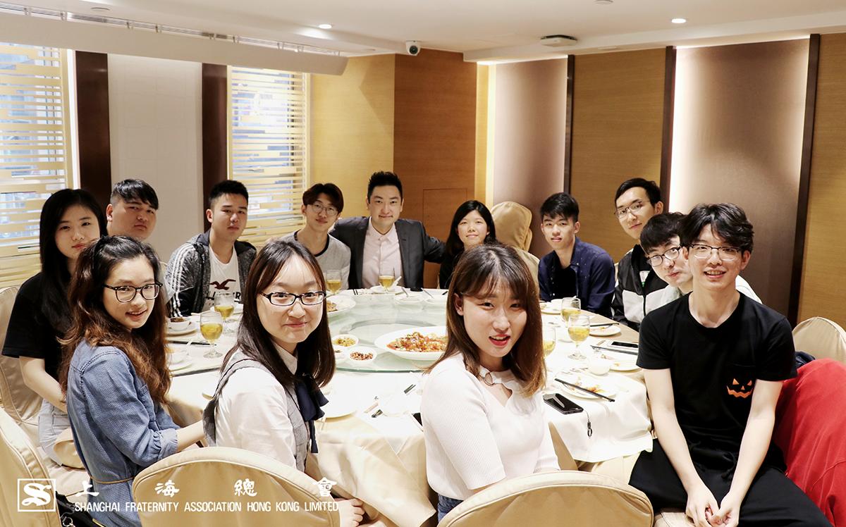 上海總會幹事林家軒先生於午宴上加強學生聯繫