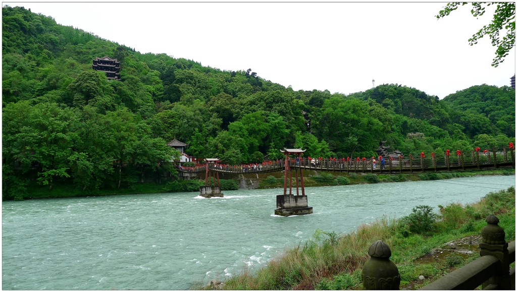 經過歷代整修,兩千多年來都江堰依然發揮巨大作用