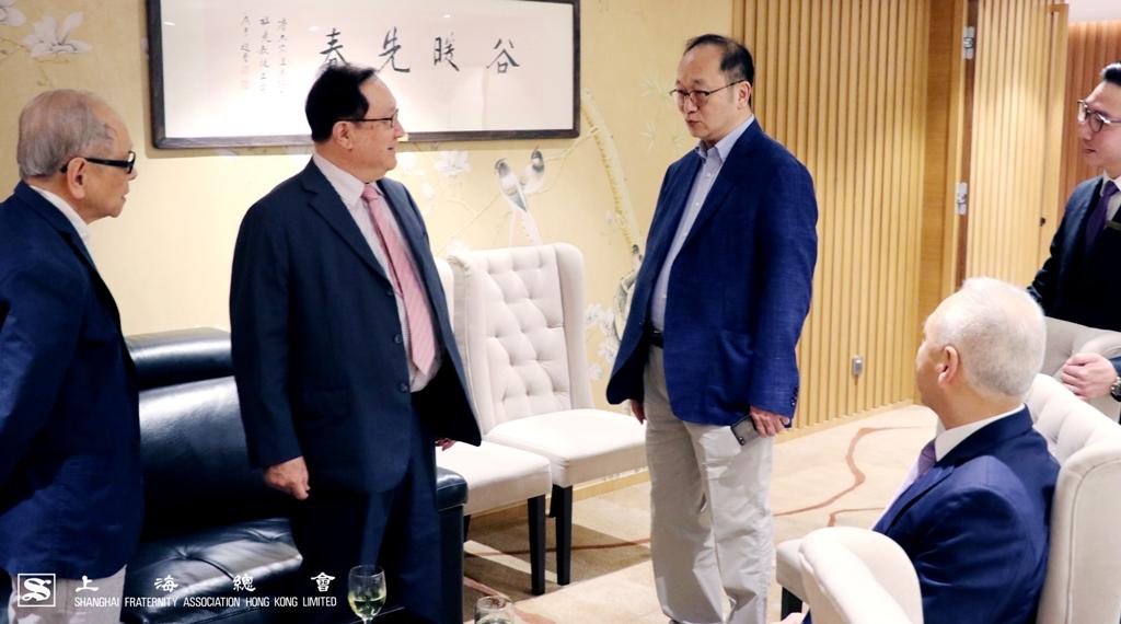 王緒亮監事長提早到達貴賓廳。
