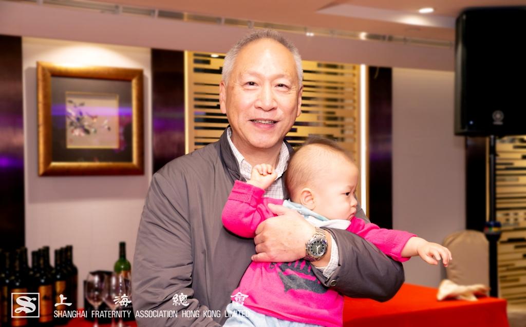 上海總會理事長李德麟先生滿得兒孫樂,令大家羨慕。