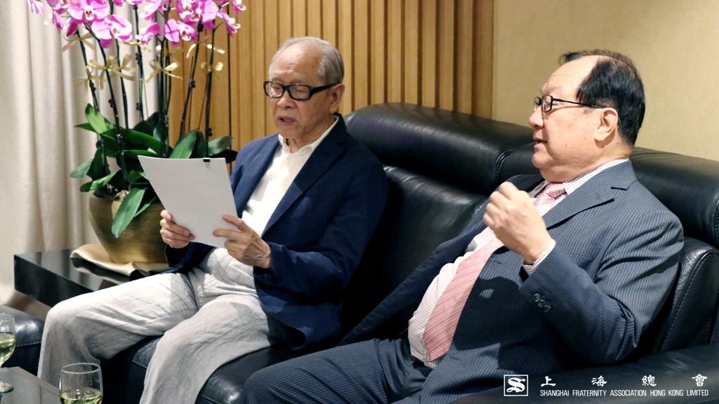 鄭仲河副理事長及張浩然副理事長老友聚頭。