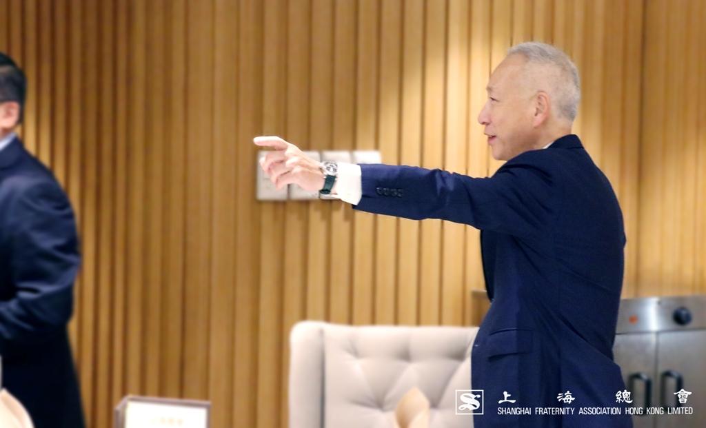 由於大家甚為投契,李德麟理事長需要再次邀請大家就坐。