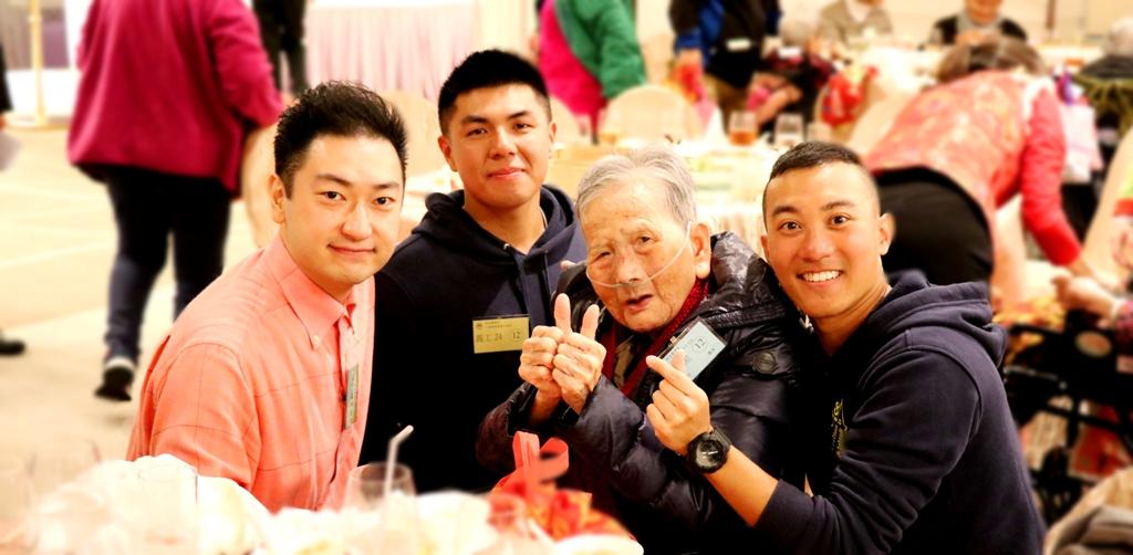 上海總會幹事林家軒先生與大家打成一片